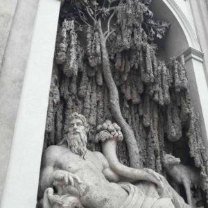 Une fontaine à Rome