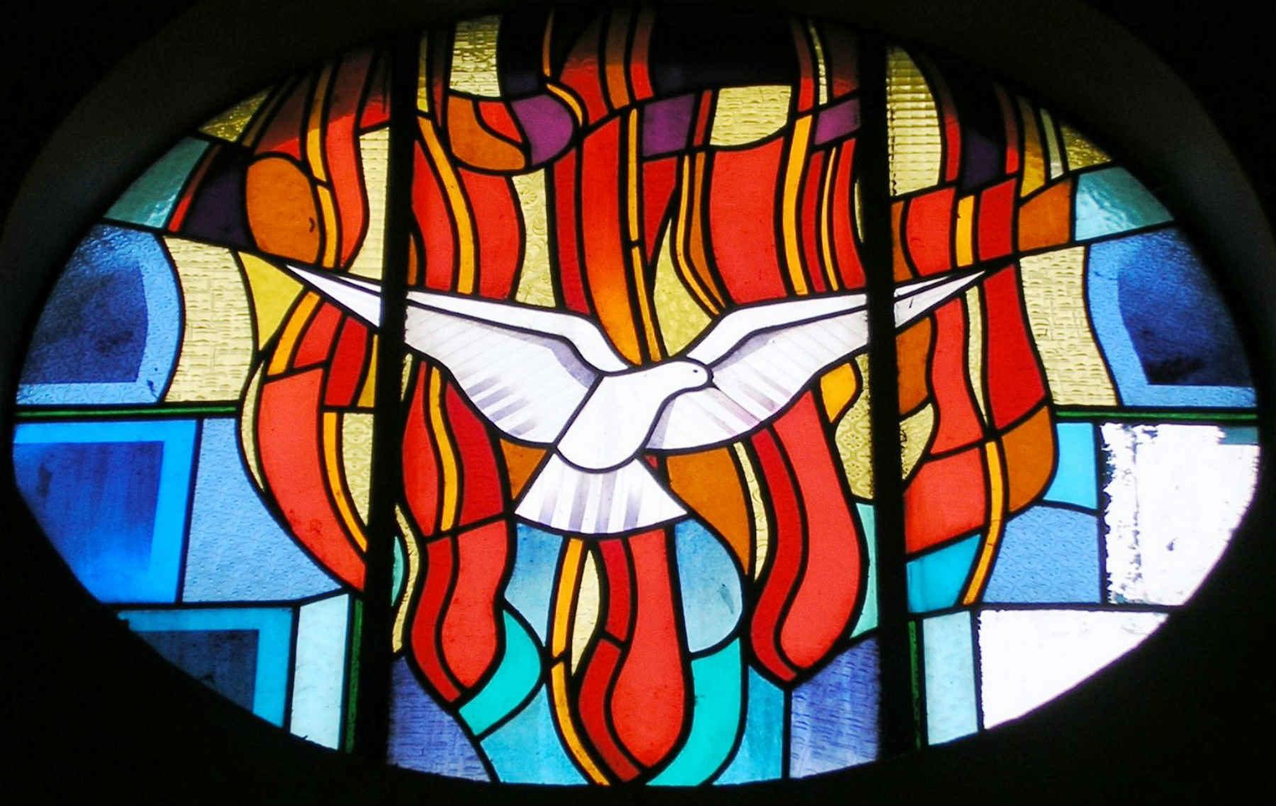 Vitrail représentant l'Esprit Saint