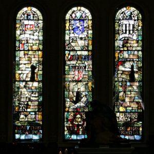 Vitraux des prêtres bretons