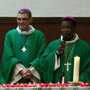 Mgr Moutel et Mgr Vieira - Messe des Peuples à Lannion, 2013