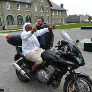 Soeur Solange en moto