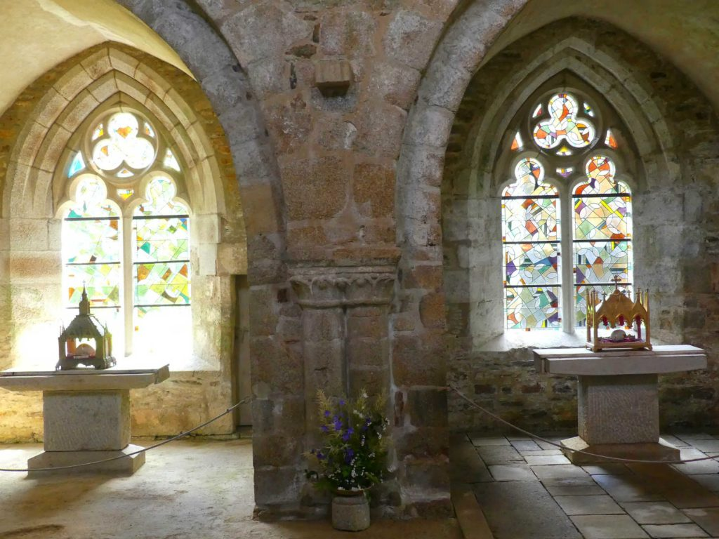 Vitraux à l'abbaye de Boquen