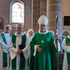 Messe d'accueil du père Pierrick Jegonday, curé de la paroisse Saint Brieuc