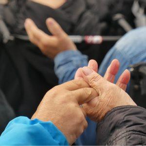 mains fraternité
