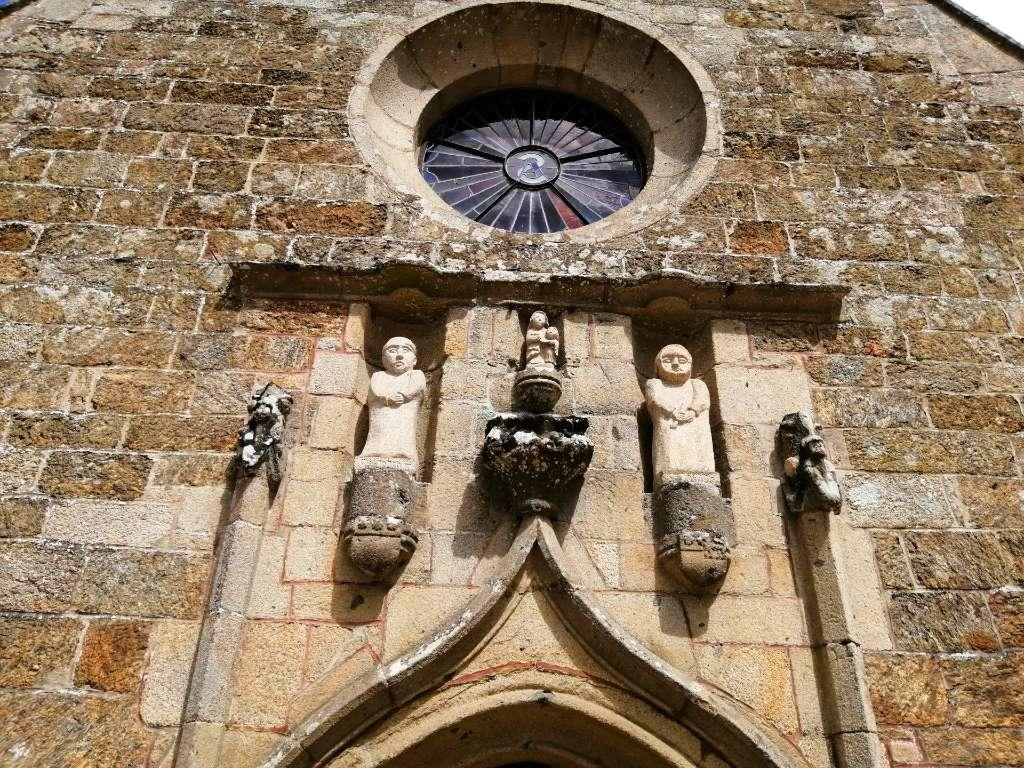 Façade de la chapelle de Sainte Anne du Houlin