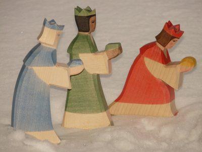 figurines en bois des rois mages